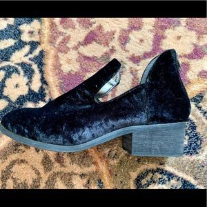 Ecote Shoes - Velvet Ankle Boots